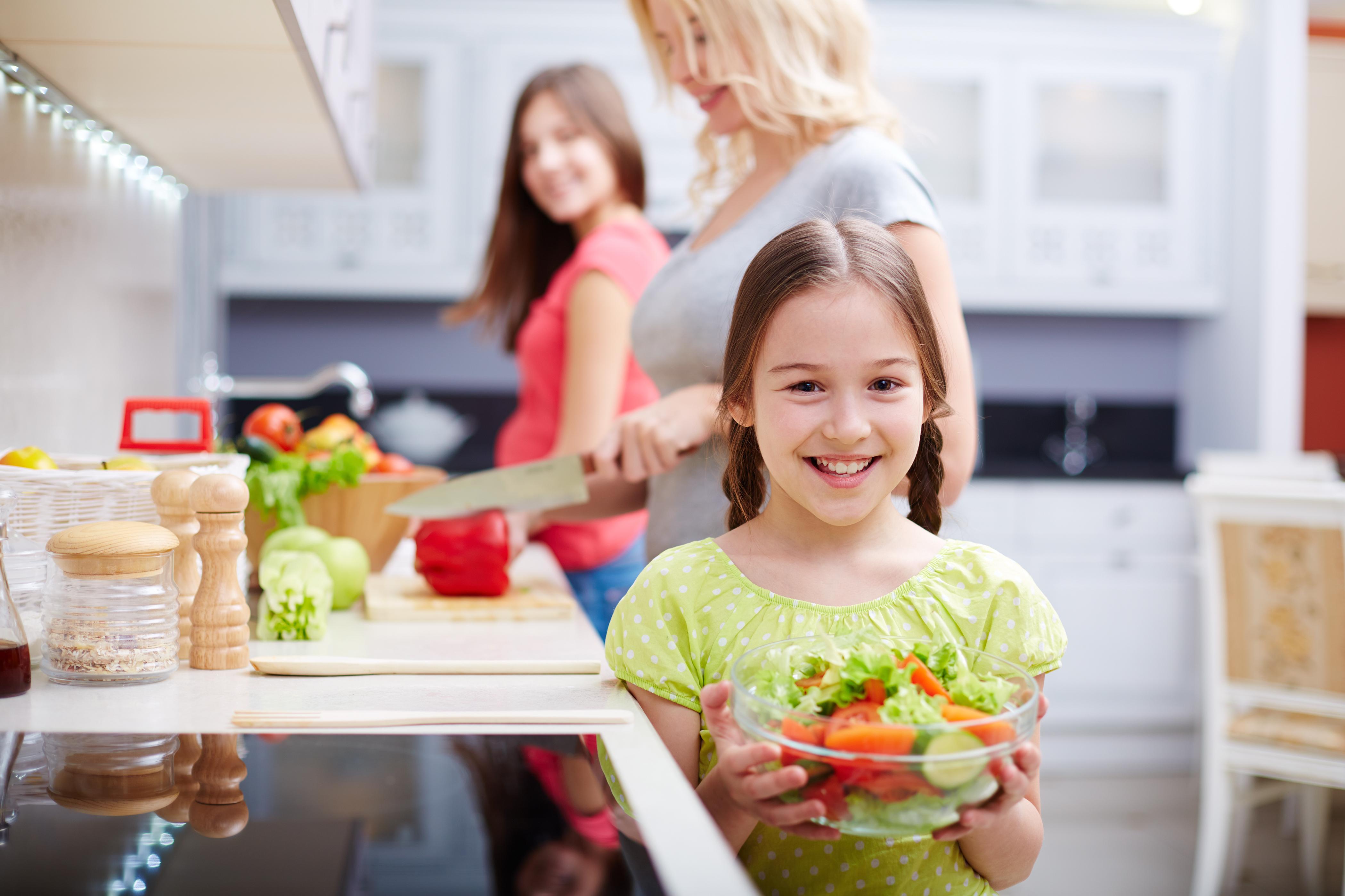 Zuccheri aggiunti nell'alimentazione dei bambini: rischi e raccomandazioni